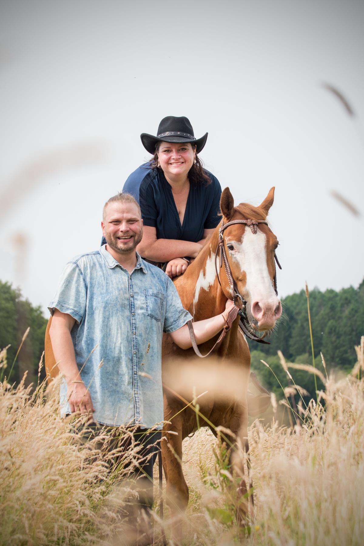 Cowgirl Cowboy Quarter Horse Sonny Fotos